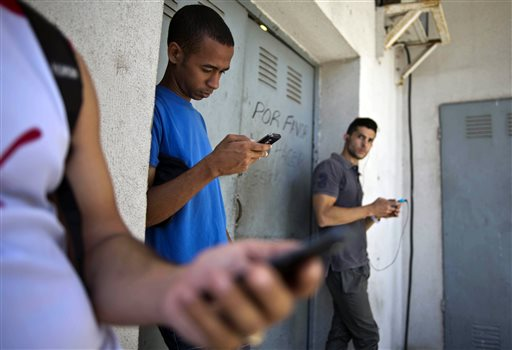 Cuba's official media abuzz over 'secret Twitter'